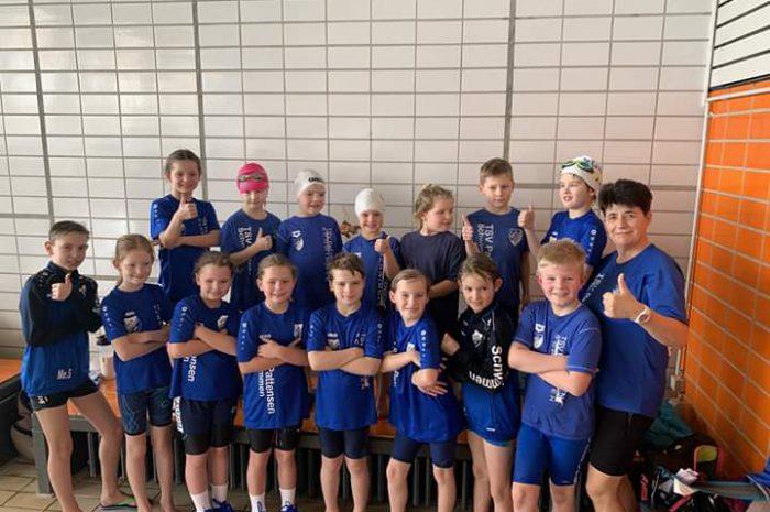 Reichlich Edelmetall für die Schwimmer des TSV Pattensen beim Burger King Cup